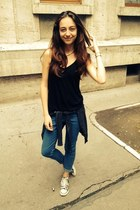 H&M jeans - sneakers - Forever 21 top - necklace