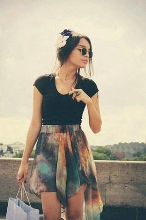 skirt - sunglasses - blouse