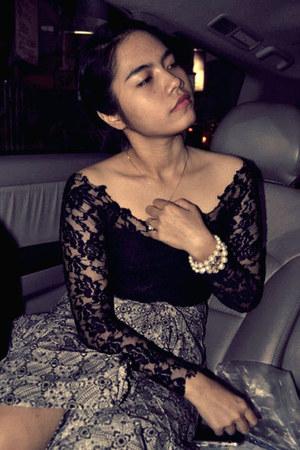 lace top - batik skirt - pearls bracelet