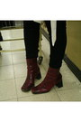 Black-high-waisted-bdg-jeans-brick-red-snakeskin-nine-west-boots
