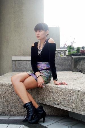 black - black boots - skirt -