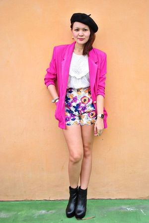 black Soule Phenomenon boots - pink blazer - Niche shorts