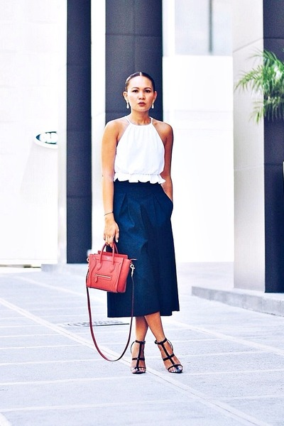 b89ee9e1e55f red nano coquelicot Celine bag - white cropped top - navy culottes pants