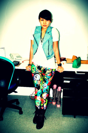 blue - Love Vintage Manila leggings - black boots - white Zara top
