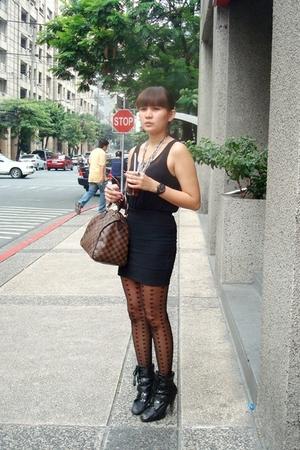 black Topshop skirt - black thrifted sheer top - black boots - black Topshop tig