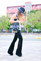 black jeans - black wide brimmed hat - heather gray muscle tee shirt