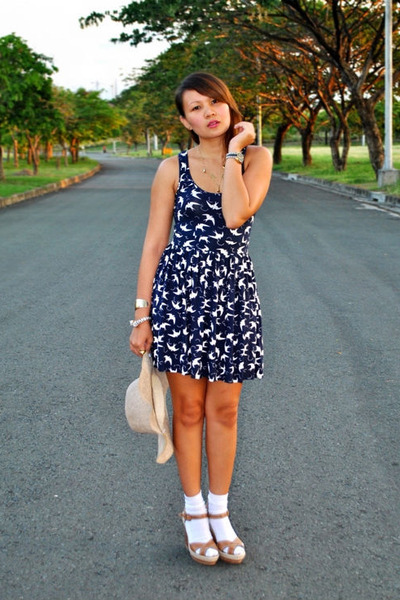 blue swallow print Zara dress - white socks - brown wedges Aldo