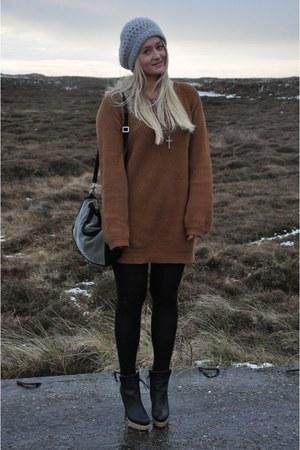 COS boots - Bershka jumper - Zara bag