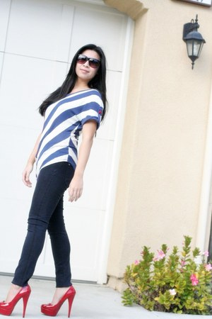 dark Genetic jeans - sailor Ross shirt - Aldo sunglasses - red Steve Madden heel