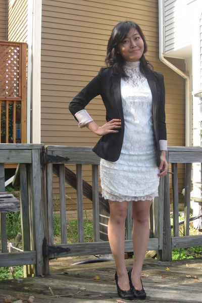 White Forever 21 Blazers, Black Tiered H&M Dresses, Nude Getta ...