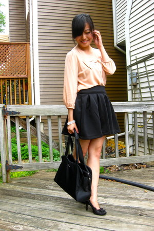 black vintage vinyl Prada bag - light pink bow Forever 21 blouse