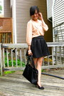 Black-vintage-vinyl-prada-bag-light-pink-bow-forever-21-blouse