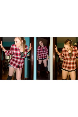 Aldo boots - thrifted vintage shirt - American Eagle shorts - American Apparel s