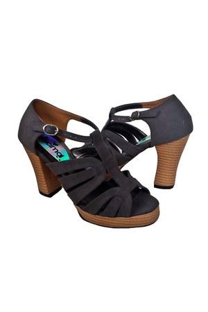 high heels Decimal heels