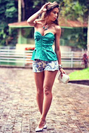 white porcelain Sheinside shorts - teal peplum 5th Store blouse