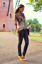 brown leopard Zara shirt - mustard stiletto Schutz shoes