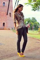 brown leopard Zara shirt - mustard stiletto Schutz shoes