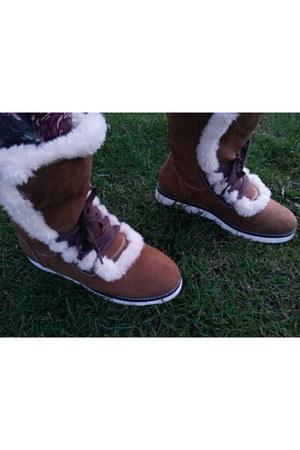 bronze pull&bear boots