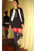 black Emma & Sam t-shirt - red Target tights - black Dolce Vita shoes - gray Tar