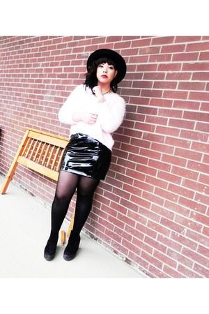Topshop boots - Topshop hat - Topshop jumper - Topshop skirt