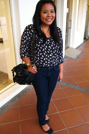 black gonlikemagic shirt - navy Forever21 jeans - black Marc by Marc Jacobs bag