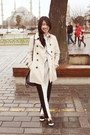 Tan-stradivarius-coat-white-topshop-scarf