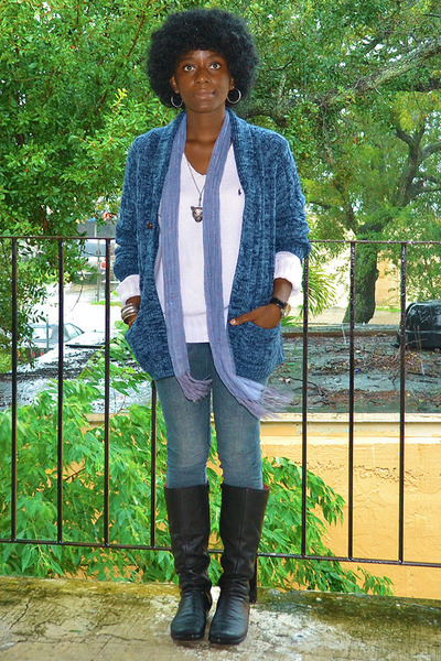 navy tailored cardigan - black Mussi boots - gray thrifted vintage jeans