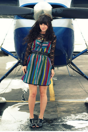 blue modcloth dress - black Lulu E Bebe dress - black Forever 21 shoes - gold sh