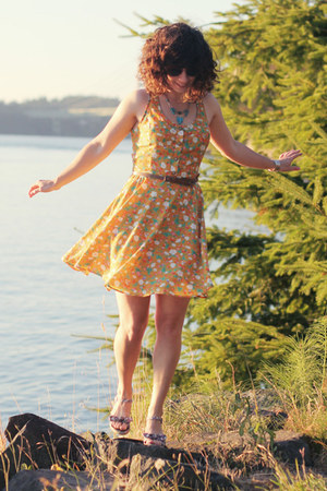 yellow modcloth dress - Fred Meyer shoes - turquoise blue handmade necklace