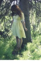 yellow vintage dress - brown kensiegirl boots
