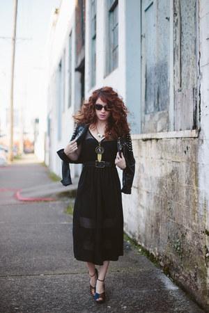 black modcloth dress - black modcloth jacket - black BonLook sunglasses