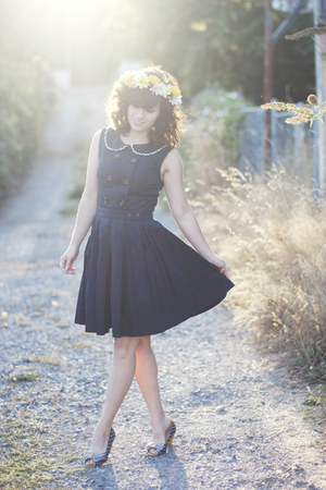 navy Dear Creatures dress - navy seychelles heels