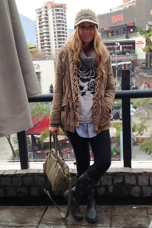 Jules boots - suiteblanco coat - Mirelly Reyna leggings - Basement bag