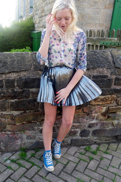 gray Topshop skirt - white River Island shirt - blue Converse sneakers