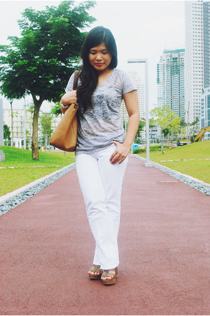 silver Folded and Hung t-shirt - white Jag jeans - brown Aldo wedges