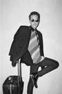 Broxy-boots-zara-blazer-levis-shirt-ray-ban-sunglasses