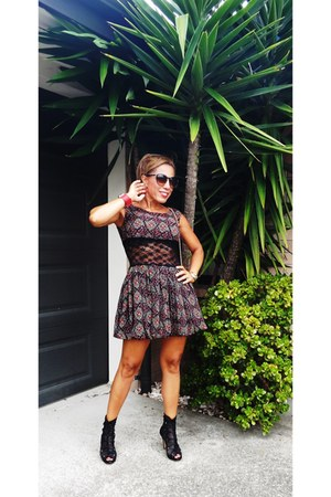Chicca Botti dress - Forever 21 sunglasses - Love in Coco heels