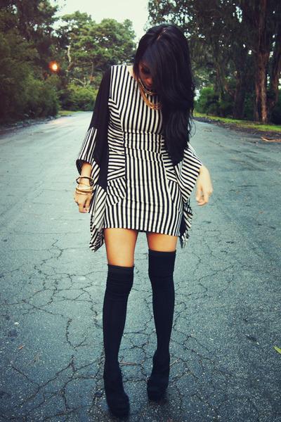 black bodycon AGAIN dress - white AGAIN dress