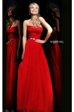 red Sherri Hill 21337 dress