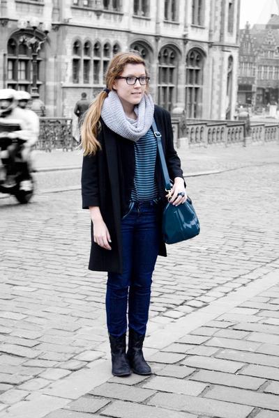 Zara coat - Shoes fabric shoes - Zara jeans - Zara blazer - Zaza scarf