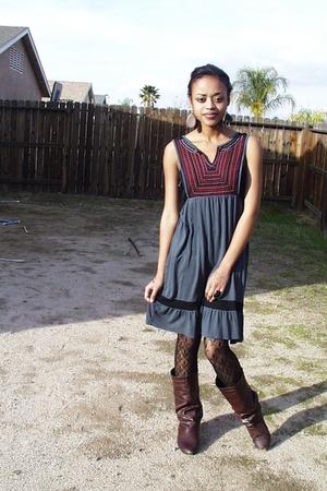 sisters dress - Forever21 shoes - Forever 21 leggings