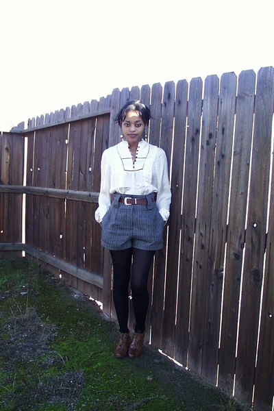 H&M shirt - Forever 21 shorts - vintage belt
