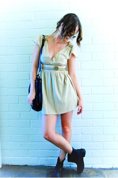 yellow vintage dress - gold diva accessories - black Sportsgirl accessories - bl