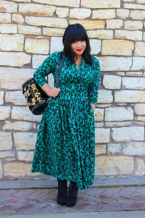 green leopard print vintage dress - black Urban Outfitters shoes