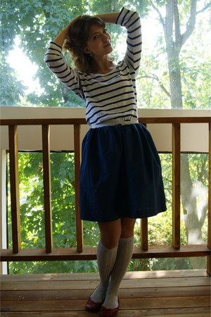 navy H&M shirt - navy handmade skirt - heather gray Target socks - ruby red Old