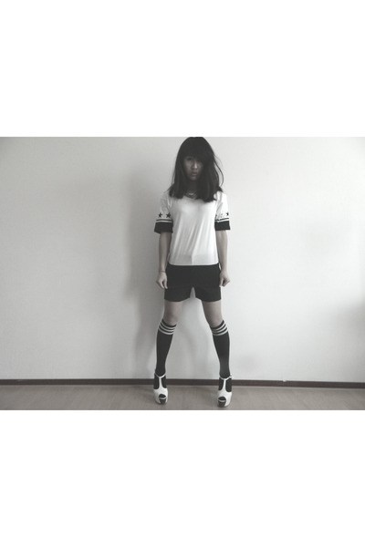 black hm shorts - white Zara shirt - black gift stockings - white Nelly heels