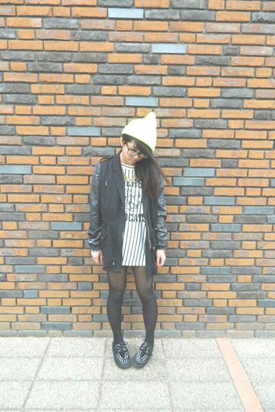 black H&M jacket - amethyst Bershka jacket - black gift shoes