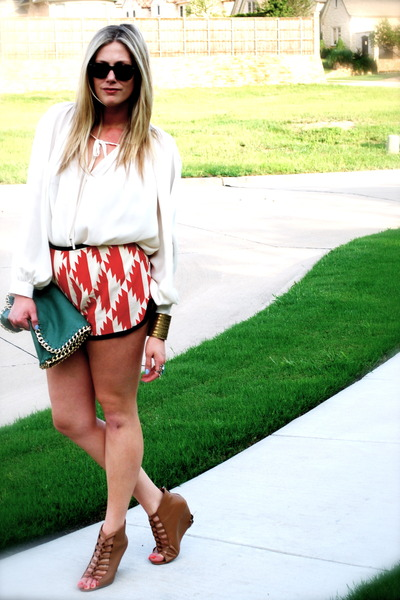 dark green gift bag - red TC Ellis shorts - dark brown Kelsi Dagger heels - off