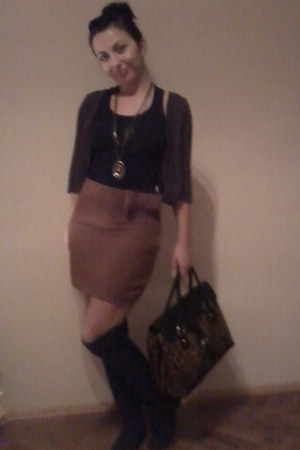brown bow brown skirt skirt