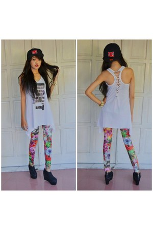 black snapback DC hat - red floral unbranded leggings